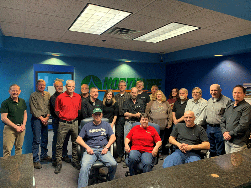 Image of 20 employees who have been with the company for 20 years or more