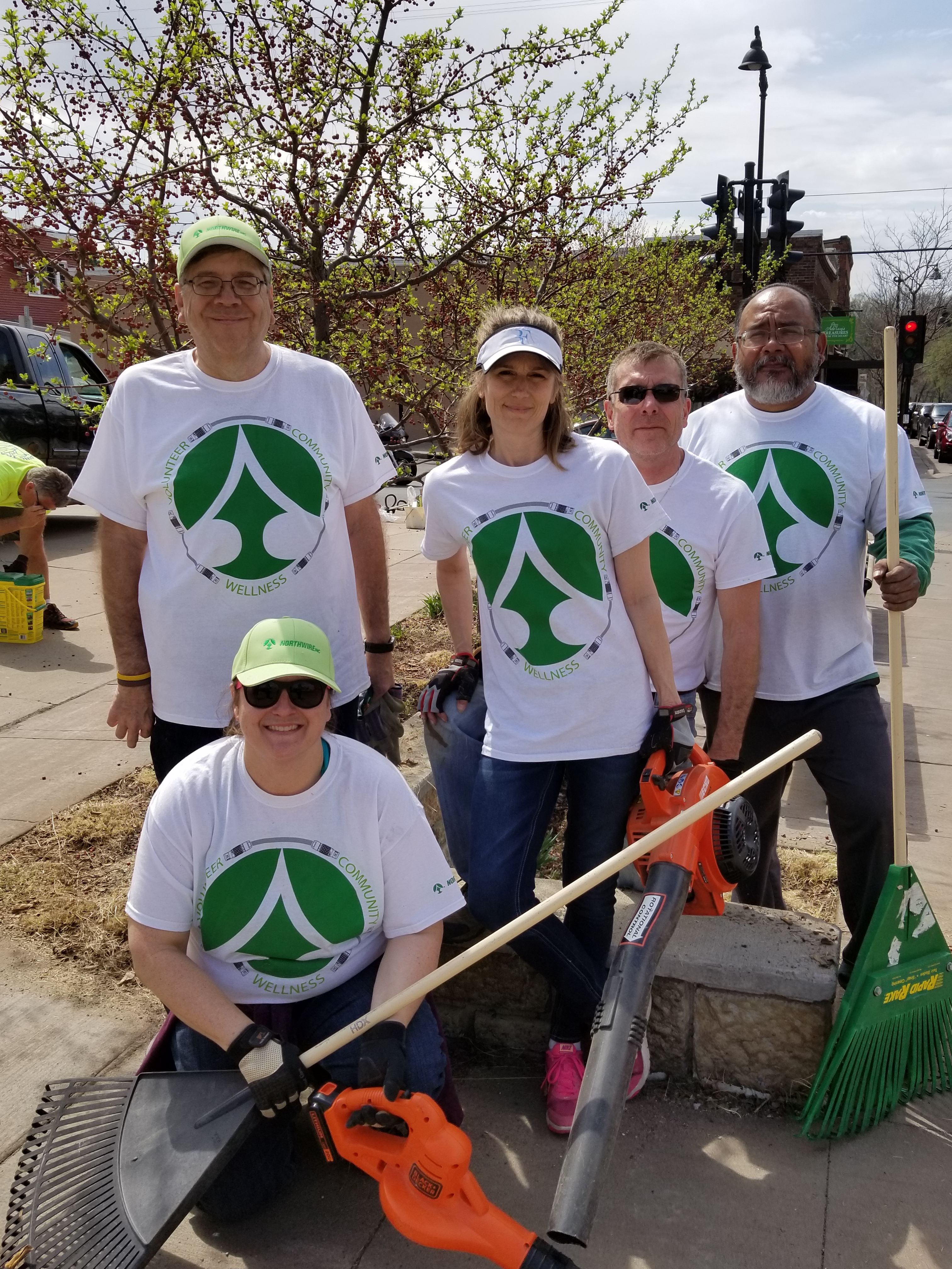 Northwire Volunteers to clean up in the community